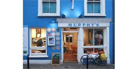 A Guide to Driving in Ireland: Where to Visit, Eat and Stay